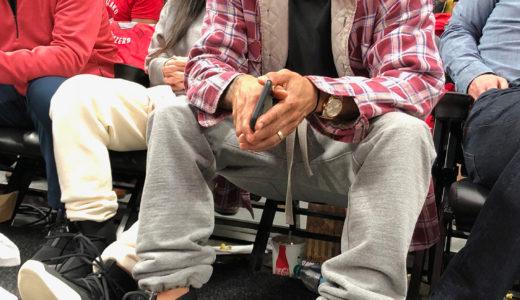 【FEAR OF GOD × NIKE】レブロンの試合会場にて、ジェリー・ロレンゾが新作フットウェアを着用