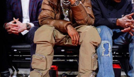 "NBAヒューストン・ロケッツの応援に駆け付けたTravis Scott。足元には幻の名作Nike Dunk Low SB ""Paris""を着用"