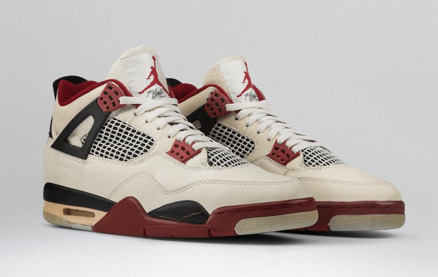 """Nike】Air Jordan 4 Retro OG """"Fire Red""""が"""