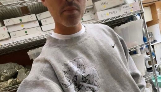 【Daniel Arsham × Nike】コラボコレクションが登場か。ダニエル・アーシャム本人がアイテムを着用